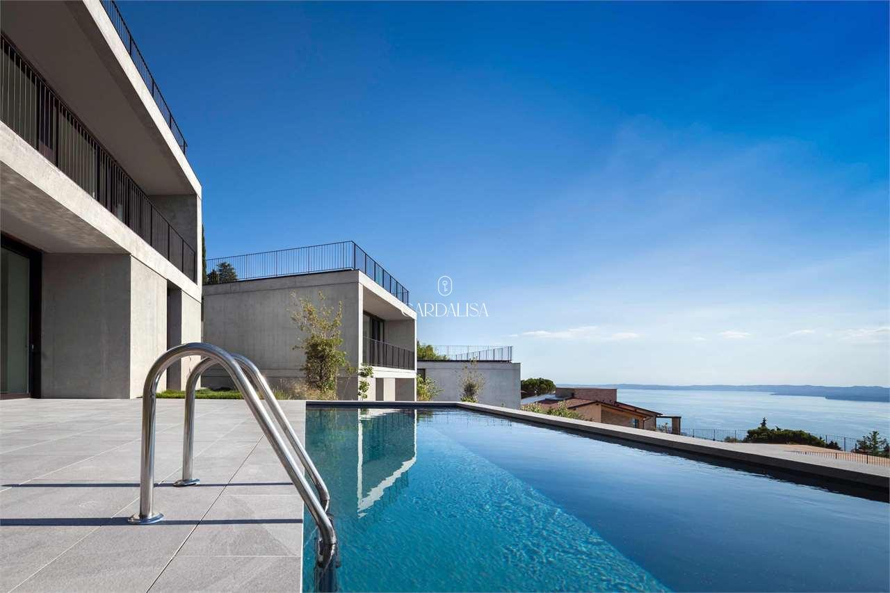 Albisano: new villa with amazing lake view