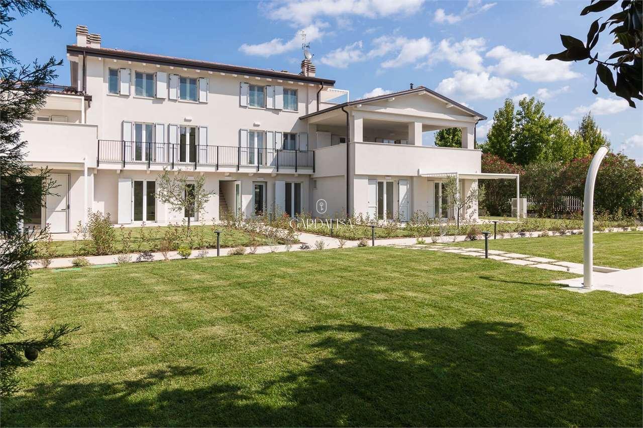 Lugana Prestige Apartments n.3 (ground floor)